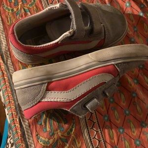 Toddler girls size 8.5 gray and pink vans